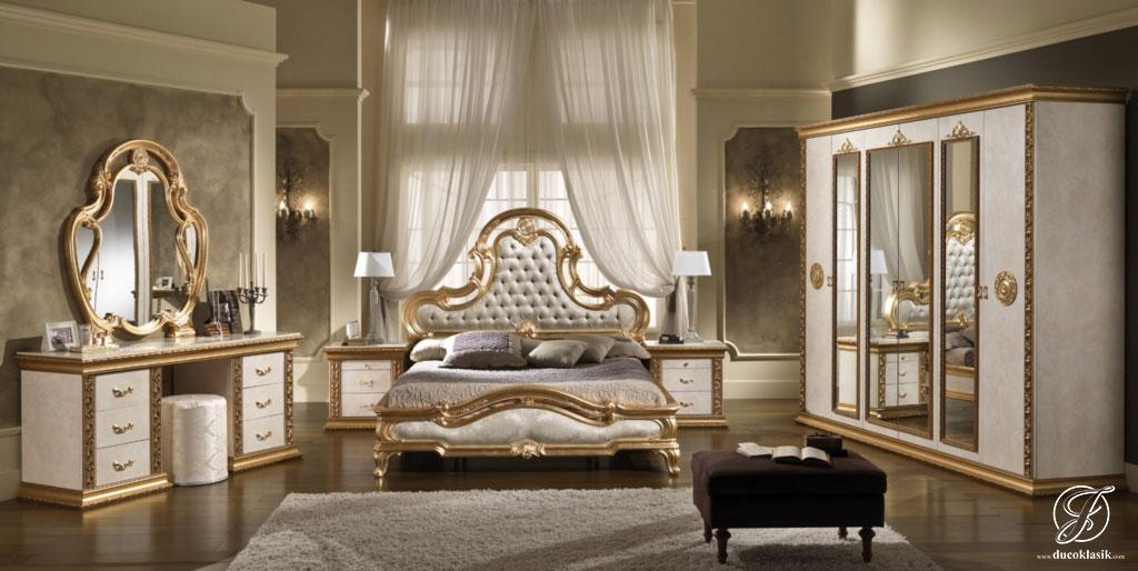 Set Kamar Tidur Ukir Italy Klasik Mewah