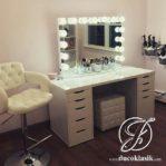 Meja Rias Lampu Minimalis Putih Terbaru