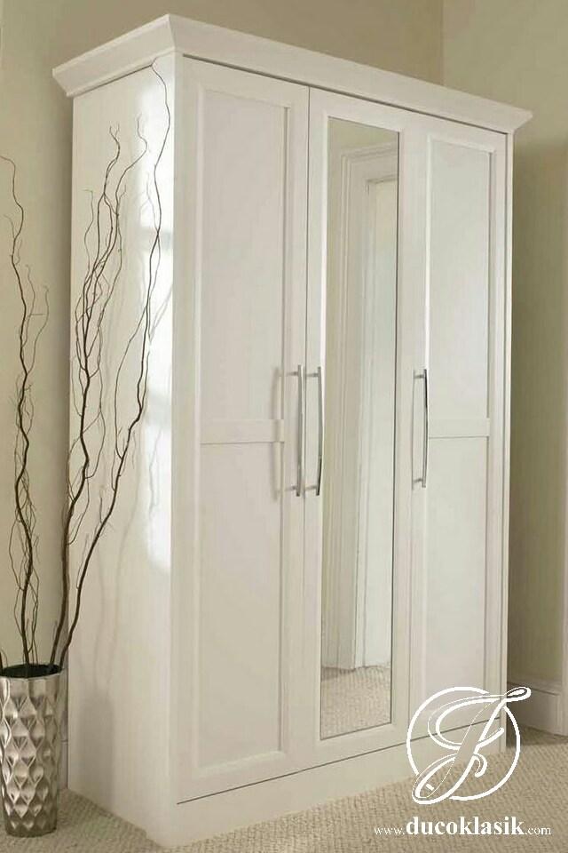 Lemari Pakaian 3 Pintu Minimalis Simple Mewah