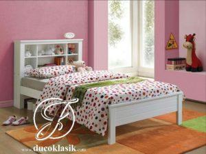Tempat Tidur Anak Perempuan Sandaran Rak Minimalis