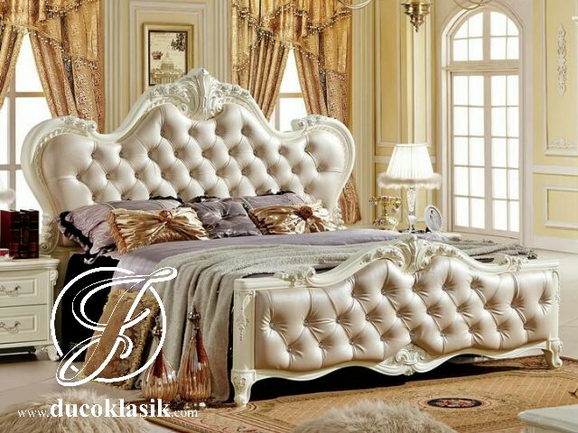 Tempat Tidur Busa Jok Putih Ukir Mewah