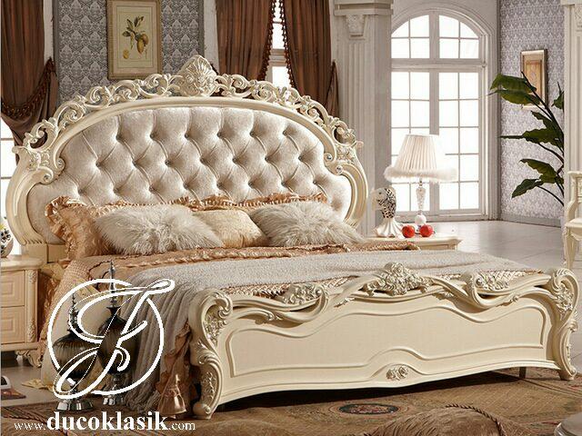 Tempat Tidur Eropa Royal Ukir Mewah