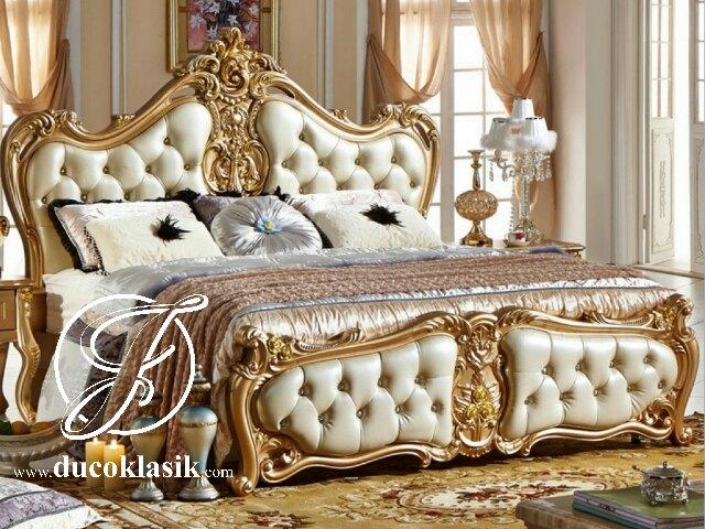 Tempat Tidur Italian Klasik Cat Duco Emas