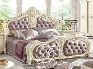 Tempat Tidur Klasik Italy Ukir Mewah
