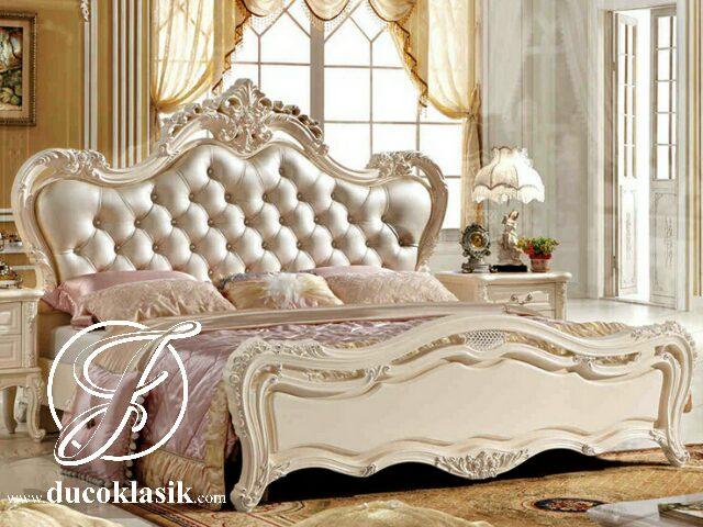 Tempat Tidur Mewah Ukir French Klasik