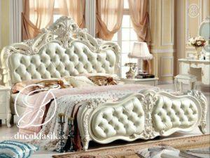 Tempat Tidur Mewah Ukir Italian Classic