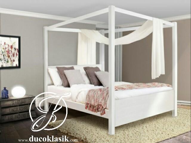 Tempat Tidur Tiang Kelambu Minimalis Modern Jpg