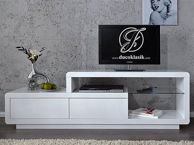 Bufet TV Unik Rak Kaca Minimalis Modern